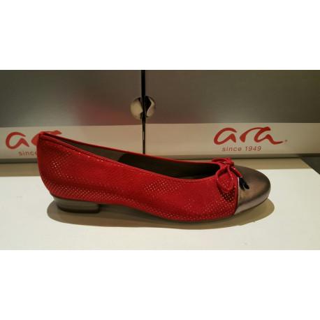 Ballerine de ARA 33760 en cuir nubuck rouge puntiki/ bout métal noeud décolleté BARI