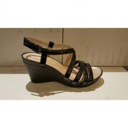 Sandale compensée de GEOX D NRW RORIE D ou D 73P3B en cuir vernis noir